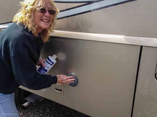 Dee Dee waxing the new 'Winnie'
