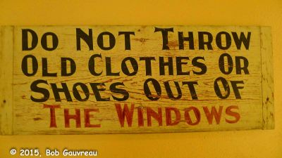 Clothes Sign